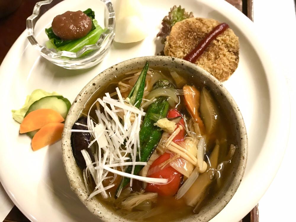 野菜たっぷりカラフル餡かけの豆腐ステーキ